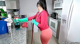 babe widens legs and gets ass stuffed in the kitchen