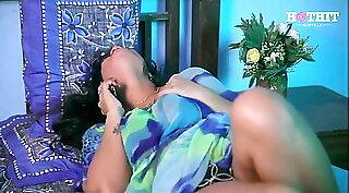 indian milf loving big dick on live cam