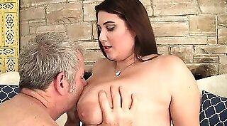 Chubby tattooed woman seduces and fucks her man