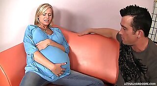 Blonde teen couple threesome Bitty Bopper Gets A Scare