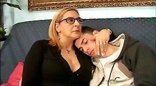 Anal fucked mature mom plays with herself
