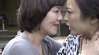 Claudia Dona and Aloysius Summers in lesbian dance